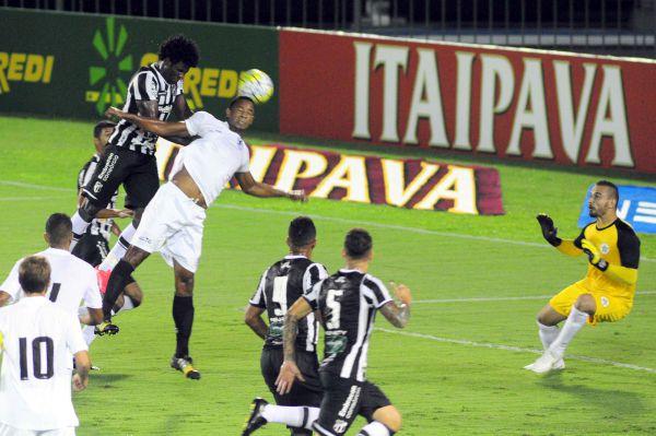 Correria: Resende e Ceará fizeram um jogo bem movimentado mas para apenas 90 torcedores no Raulino