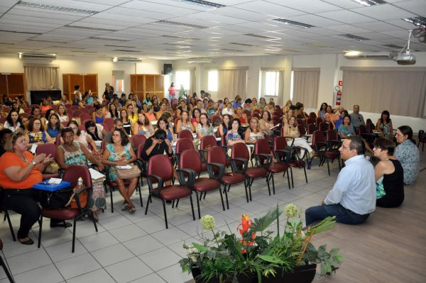 Sem dúvida: Evento realizado pela Secretaria Municipal de Saúde reuniu diretores e professores