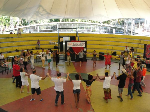 Laços fortes: Evento teve como objetivo estimular a educação para combater o racismo que afeta a cultura negra no país (Foto: Libânia Nogueira)