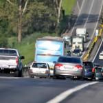 Estrada lotada: Previsão é de que tráfego fique intenso entre às 7h e 13h desta quinta-feira na Via Dutra (Foto: Arquivo)