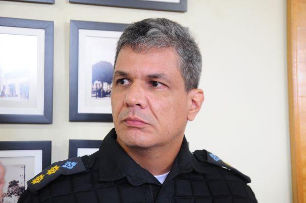 Novo chefe: Tenente-coronel Damião Portella assumiu o 28º BPM no lugar o coronel César Augusto Rosa (Foto: Paulo Dimas)