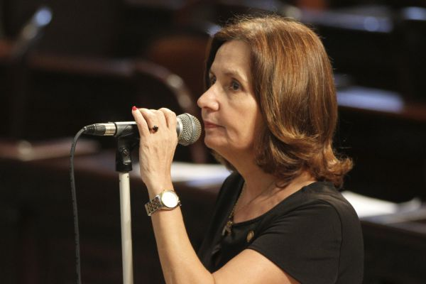 Mais mulheres: Projeto de lei é de autoria das deputadas Martha Rocha (foto) e Zeidan (Foto: Divulgação/Vítor Soares)