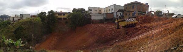 Rua Evaristo Neri Pereira: No início deste ano, após as fortes chuvas de verão, dez casas próximas a um barranco foram interditadas (Foto: Divulgação/Susesp)