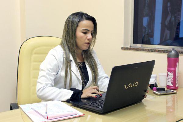 Dicas: A endocrinologista e nutróloga Gabriela Lima listou alguns hábitos para os homens prevenirem doenças (Foto: Divulgação)