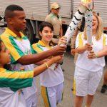 Vencedores de concurso: Estudantes da rede pública municipal foram os anfitriões do fogo olímpico em Piraí (Foto: Divulgação/PMP)