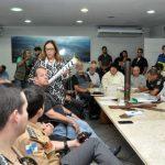 Eventos que serão realizados durante passagem da tocha olímpica em Volta Redonda são discutidos em reunião no gabinete do prefeito Neto (foto: ACS)