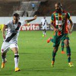 Tudo igual: Vasco abriu o placar mas jogou mal o segundo tempo e sofreu empate (Foto: Carlos Gregório Jr/Vasco.com.br)