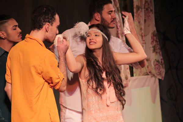 'Shakespeare em Cena': Homenagem foi feita durante a peça 'A Megera Indomável' (Foto: Vitor Macedo/Divulgação)