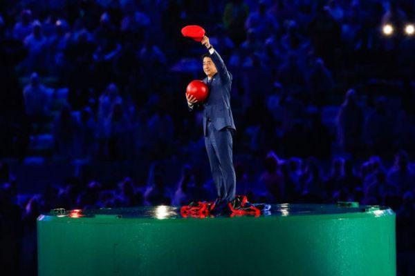 Apoteose: Super Mario vira o primeiro ministro japonês Shinzo Abe (Foto: Fotos Públicas)