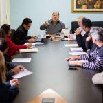 Jonas Marins e representantes do Sepe discutem PCCS em seu gabinete (foto: Gabriel Borges - PMBM)