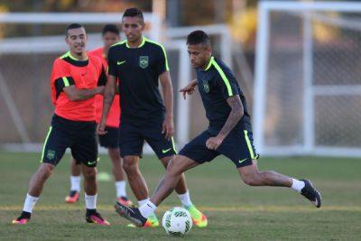 Neymar é o astro da seleção e dos jogos no futebol