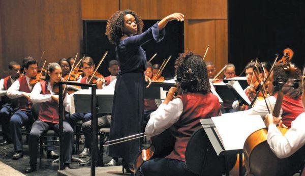 Especial: Regência do espetáculo será da maestrina Sarah Higino e terá a participação de solistas nacionais e internacionais (Foto: Divulgação)