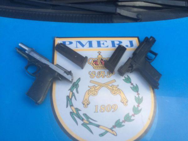 Na Sapinhatuba II: Homens fugiram deixando para trás pistolas 9 milímetros (Foto: Cedida pela Polícia Militar)