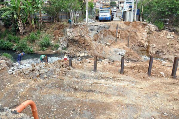 obra-ponte-corrego-cafua-b-csa-de-pedra-09-09-16-1