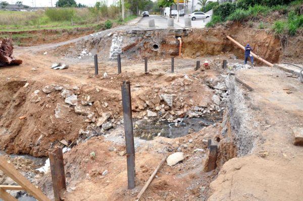 obra-ponte-corrego-cafua-b-csa-de-pedra-09-09-16-9