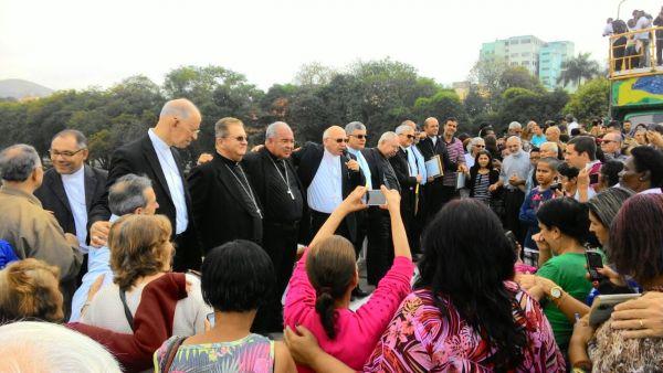 Bispos de todo o estado do Rio e o arcebispo Cardeal Orani Tempesta participaram do ato (Foto: Arlindo Novais)