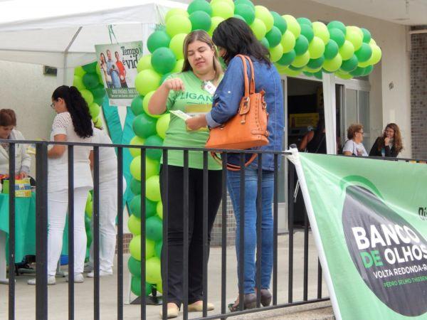 Conscientização: OPO Barra Mansa e Banco de Olhos de Volta Redonda montaram tenda na Santa Casa para conscientizar famílias (Foto: Divulgação/Ana Lydia Plácido)