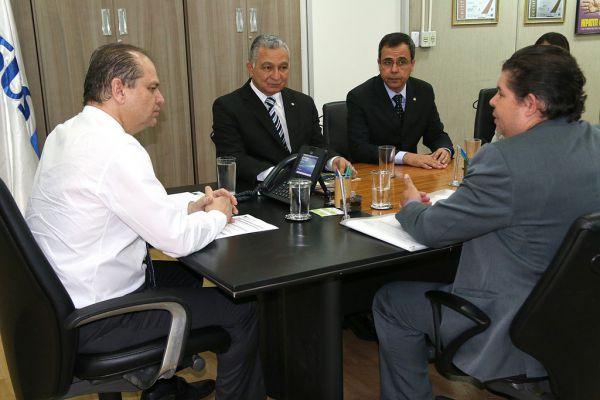 Saúde: Encontro aconteceu em Brasília e o objetivo foi buscar recursos para melhorias das instalações da Santa Casa (Foto: Divulgação)