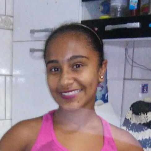 Família de Luiza Nunes Roberto, de 14 anos, já realizava os preparativos para a festa de 15 anos da menina (Foto: Reprodução Facebook)
