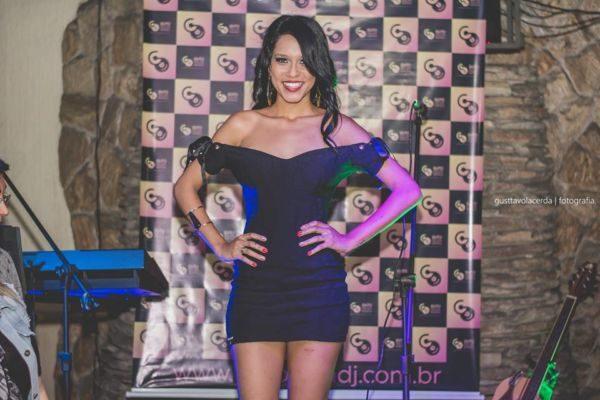 Time representado: Gabriela Monsores é a nova musa do Leão do Sul (Fotos: Divulgação)