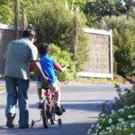 Pais-filhos: Interações têm influência sobre várias áreas do desenvolvimento, como autoestima e realizações escolares (Foto: Divulgação)
