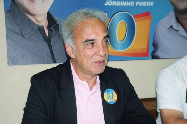: Baltazar diz que pretende criar a clínica da terceira idade e manter as atividades dos idosos e suas viagens (foto: Paulo Dimas)