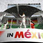 Festa alemã adiada: Lewis Hamilton, Nico Rosberg e Sebastian Vettel no pódio do GP do México (Foto: Divulgação/FIA)