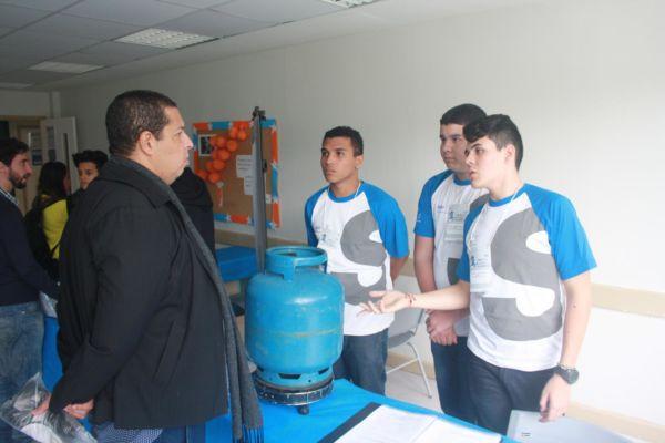 Escola Sesi: Jovens de Barra Mansa criaram uma balança para certificação e controle do consumo do gás de cozinha (Foto: Divulgação)