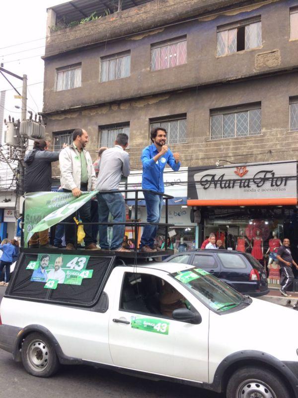 Samuca Silva percorre as ruas de Volta Redonda (foto: André Aquino/Assessoria de Imprensa)