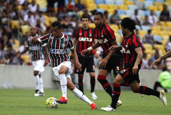 Fluminense começou a partida buscando pressionar o Atlético-PR (foto: Divulgação/Fluminense)