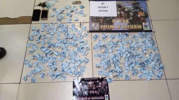 Trio foi flagrado com as drogas voltando do Rio de Janeiro (Foto: Cedida pela Polícia Militar)