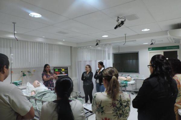 Simulação: Enfermeiros e técnicos do Pronto-Atendimento do hospital passaram por capacitação (Foto: Divulgação)