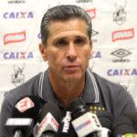 Bastidores: Jorginho disse que existem 'vozes internas' que tentam barrar sua permanência no Vasco (Foto: Paulo Fernandes/Vasco.com.br)