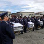 Com destino ao Brasil: Corpos dos mortos no acidente com o avião do Chapecoense são embarcados em avião da FAB (Foto: Fuerza Aerea Colombianaminutos)
