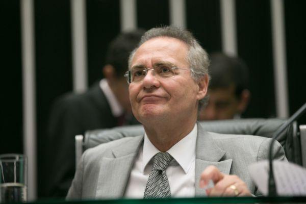 Impedido: Renan foi mantido na presidência do Senado mas não pode ocupar mais a linha sucessória presidencial (Foto: Fabio Rodrigues Pozzebom/Agência Brasil)