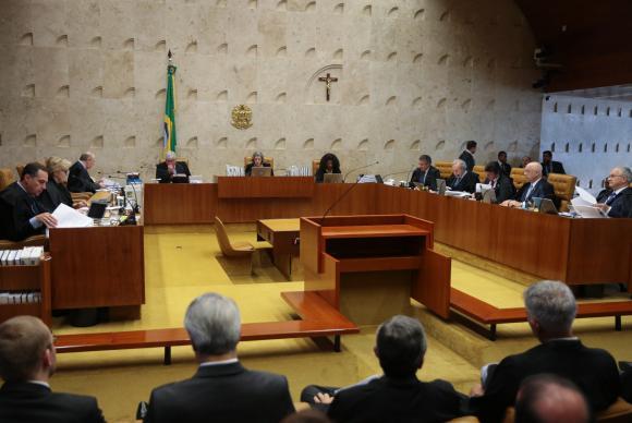 Decidido: Renan Calheiros continua a presidir o Senado
