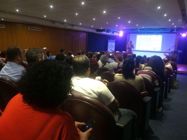Em evento: Profissionais foram orientados sobre os passos jurídicos que devem seguir para legalizar a federação (Foto: Divulgação)