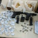 Droga e arma foram abandonadas no Jardim Esperança, em Resende