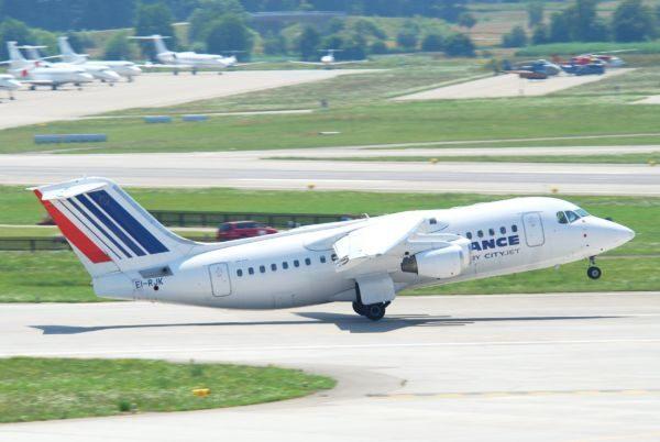 Antigo: O avião acidentado ainda nas cores da Air France