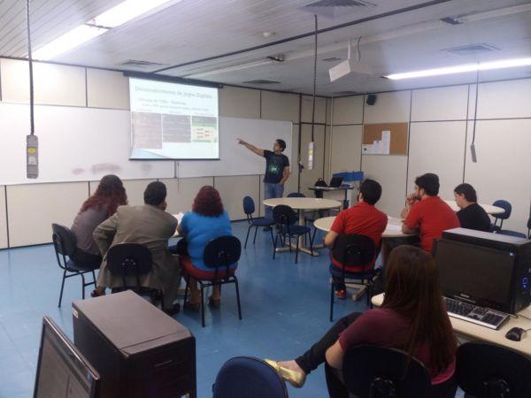 Jogos Digitais: Coordenador do curso, Ronaldo Alves de Abreu, dirigiu um workshop sobre o tema no Campus Cicuta, na última quarta-feira (Foto: Divulgação/UBM)