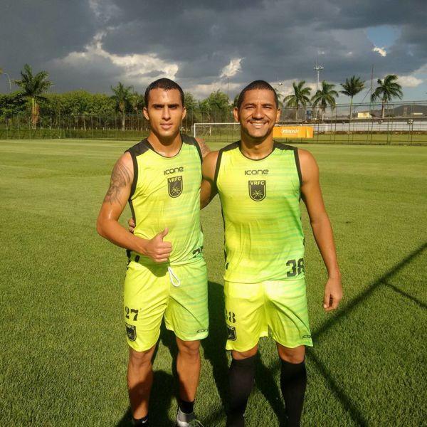 De volta para casa: Destaques no título da Taça Rio em 2016, Mailson e Luan são reforços do Voltaço para 2017 (Foto: Divulgação/Assessoria de Imprensa VRFC)