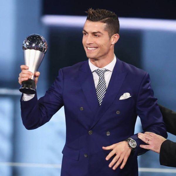 Português desbancou o 'rival' Messi na final