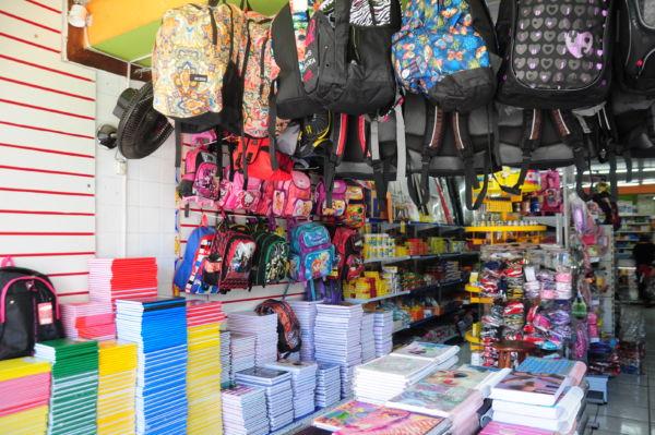 Mochilas tiveram aumento de 10%, já caixa de lápis de cor está 20% mais barata (foto: Franciele Bueno)