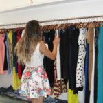 Saldão: Peças de roupas podem ser encontradas com descontos de até 50% (Foto: Júlio Amaral)