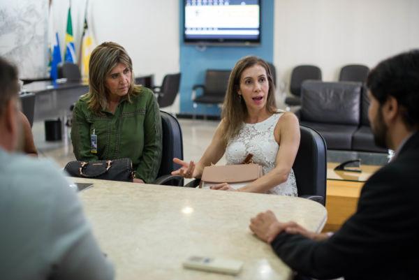 Delegada da Deam fala de problemas que está enfrentando devido à crise (foto: Gabriel Borges - PMVR)
