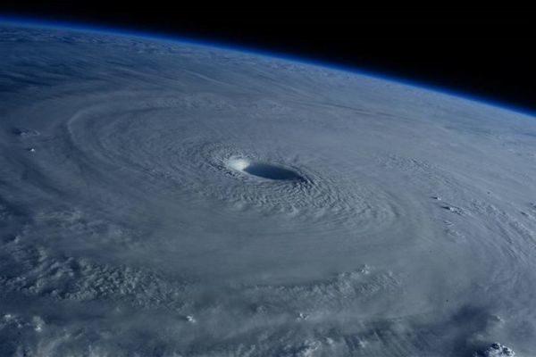 Clima: Furacão pode mudar política