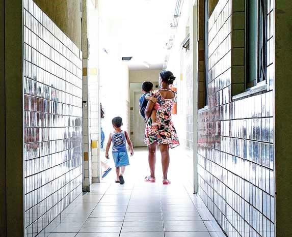 Mulher: Meta é facilitar a análise de casos e reunir dados sobre o crime no Rio (Foto: Bruno Itan)