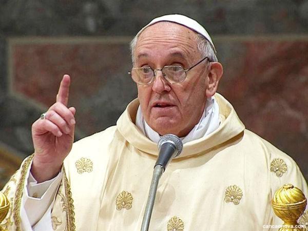 Papa Francisco expressou tristeza e dor em suas palavras sobre massacres