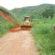 Bruno de Souza acompanha serviços de conservação das estradas rurais, em Quatis