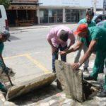 Ação: Prefeito Diogo Balieiro autorizou os trabalhos de desentupimento de bueiro e galerias pluviais (Foto: Divulgação PMR)